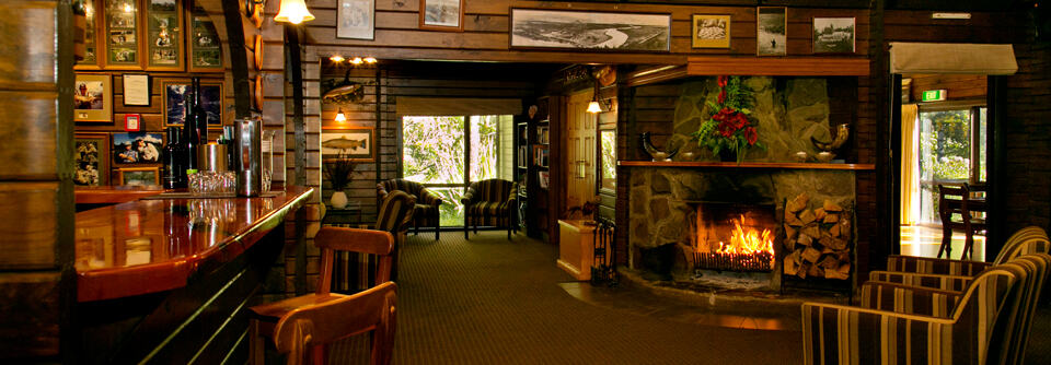 Classic timber lodge design NZ